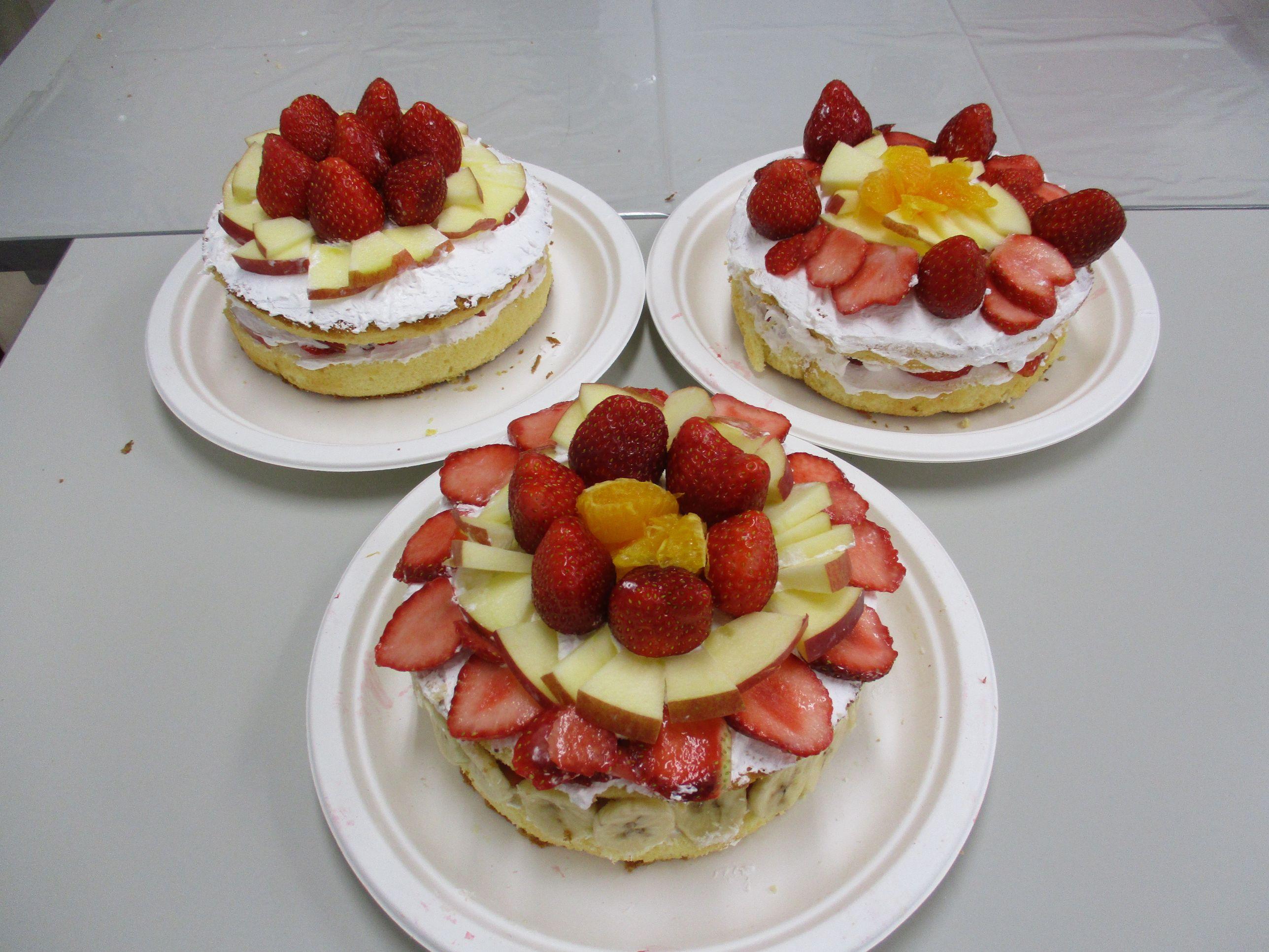 20卒内定者に向けて応援ケーキ